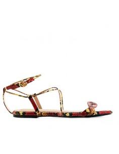 Sandalo rosso con intreccio